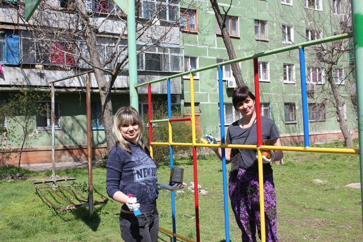 Дружные соседи на Шевченко, 211