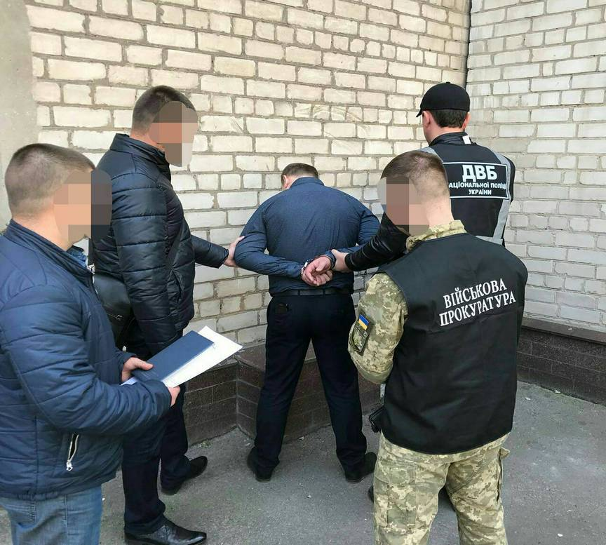 Полицейские требовали 8 000 долларовСША за свободу мужчины