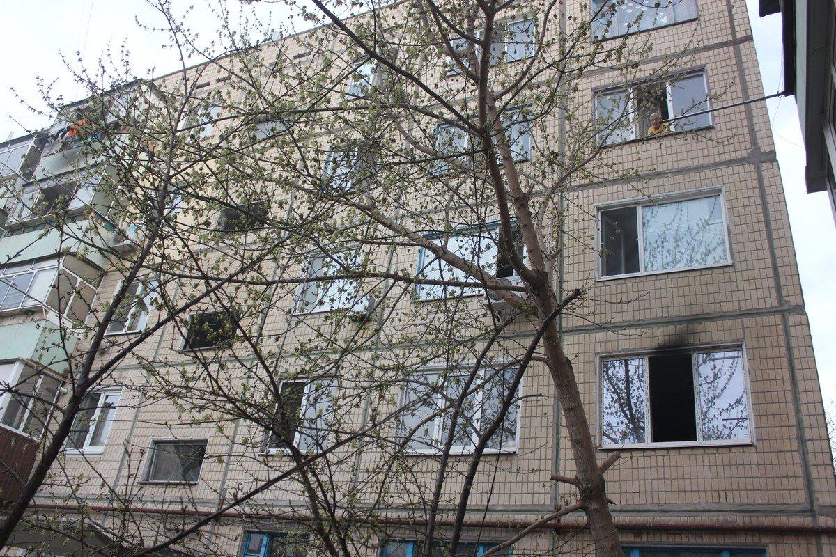 Не все жильцы сразу покинули свои квартиры. Некоторых эвакуировали спасатели