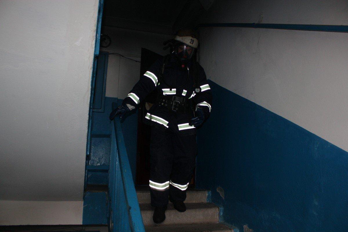 Пожарные боролись с пожаром около часа