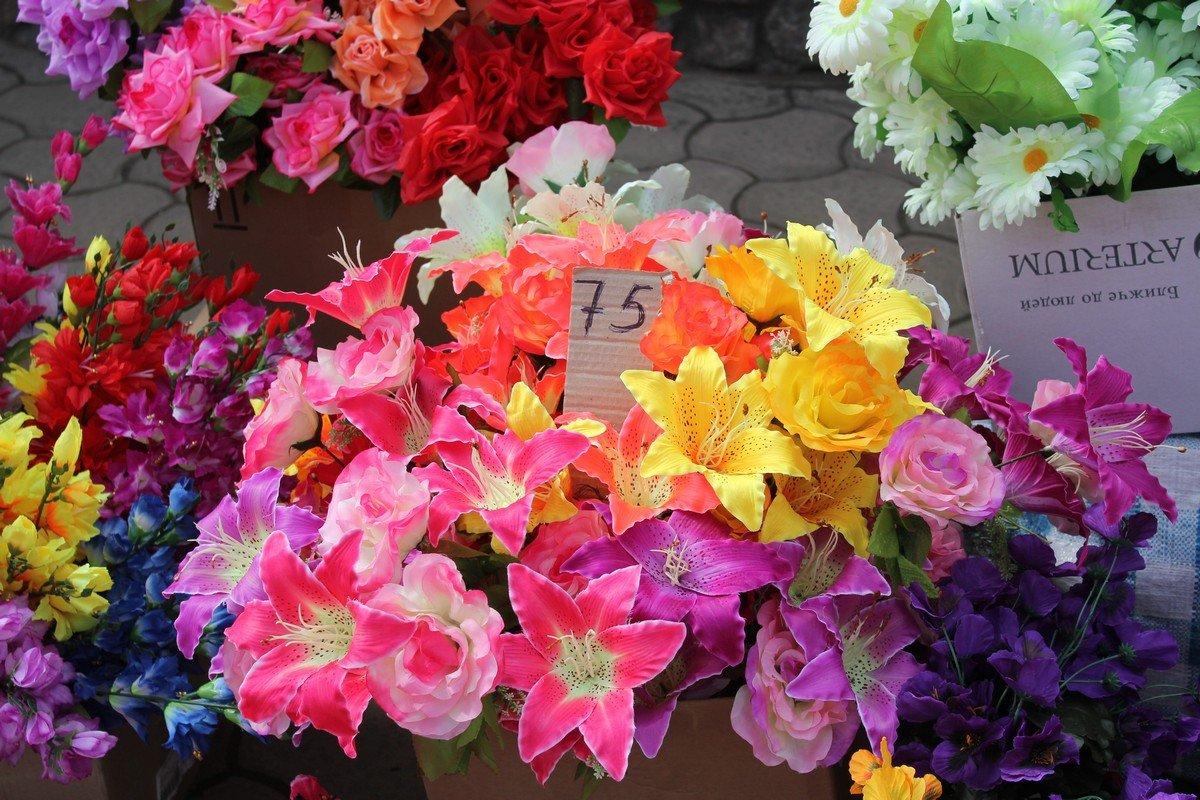 Цены на цветы стартуют от 8 гривен