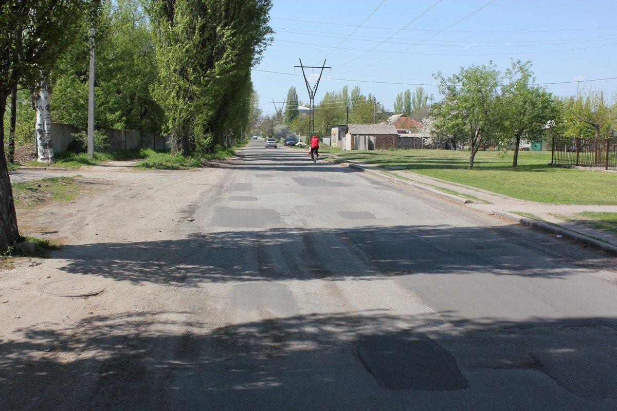 Улица Светлая находится в промежутке между улицами Электрометаллургов и Героев Чернобыля