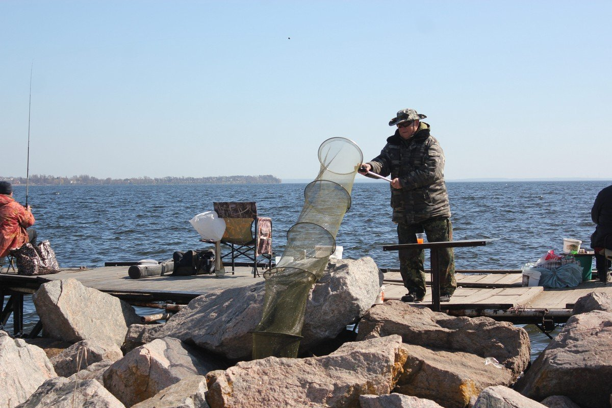 Рыбак с основательным подходом к процессу