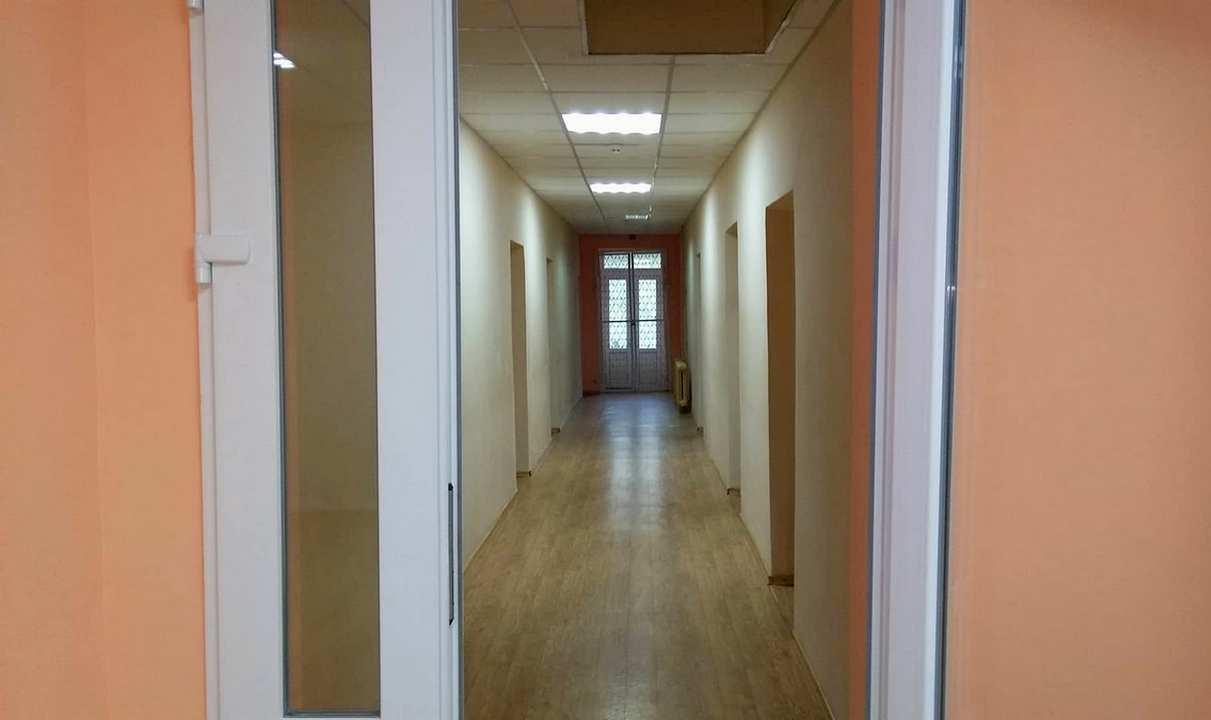 Отремонтированный коридор на втором этаже
