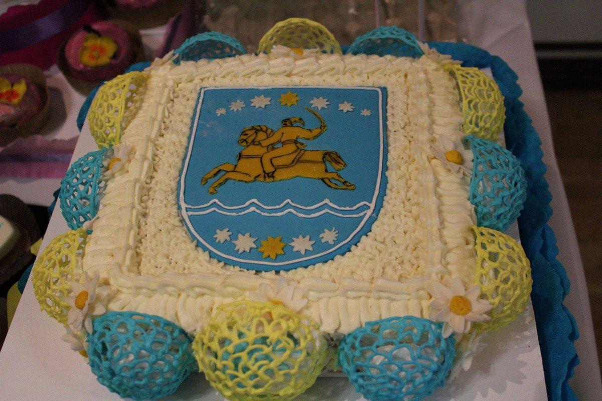 """Изделие в номинации """"Никопольский торт"""""""