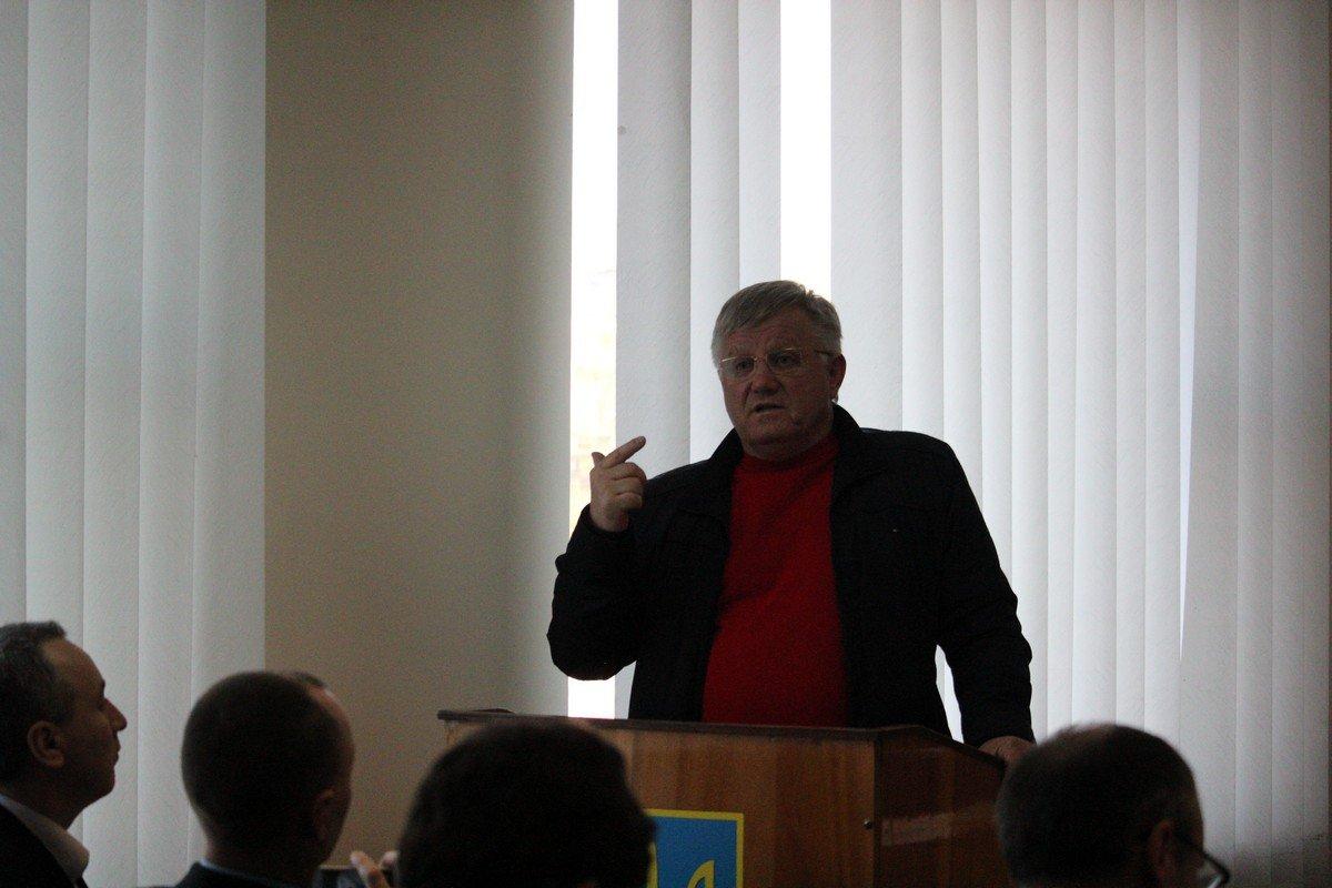 Свою точку зрения высказал Александр Рыбаков