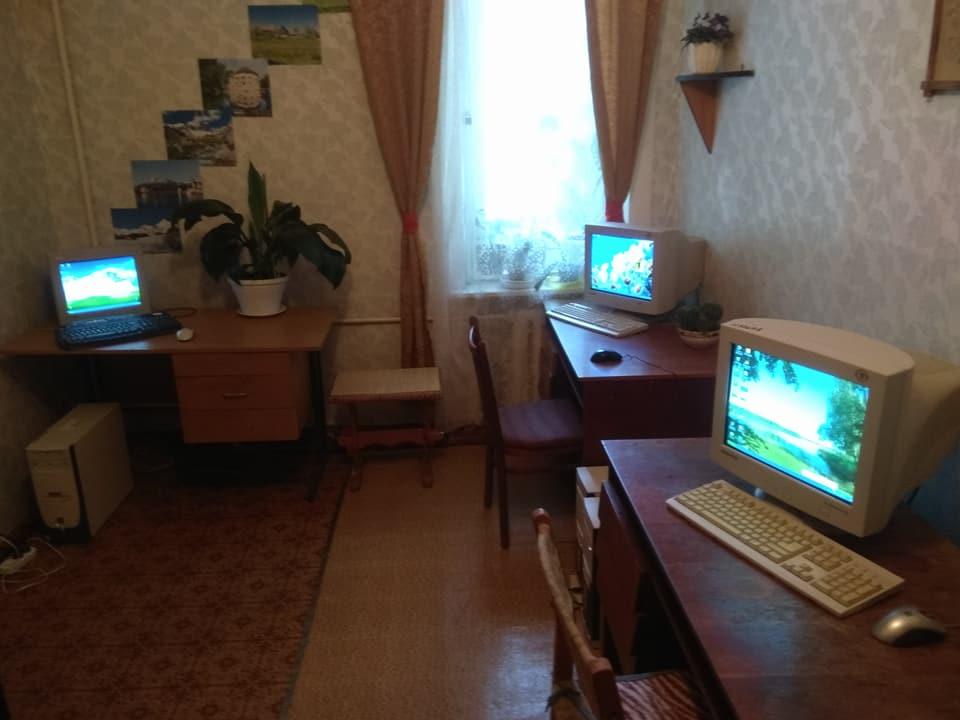 В Никополе открыли компьютерные курсы для пожилых людей