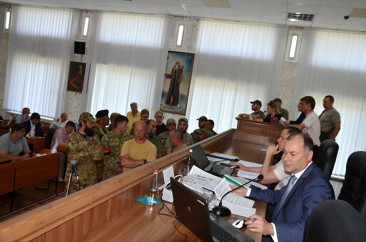 Активисты опровергли слухи о нападении на мэра Никополя