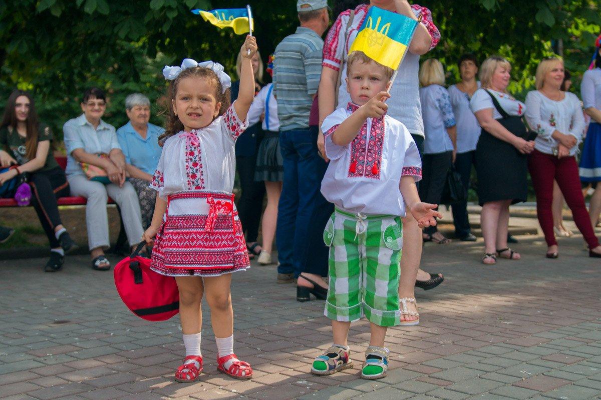 Маленькие никопольчане - будущее Украины