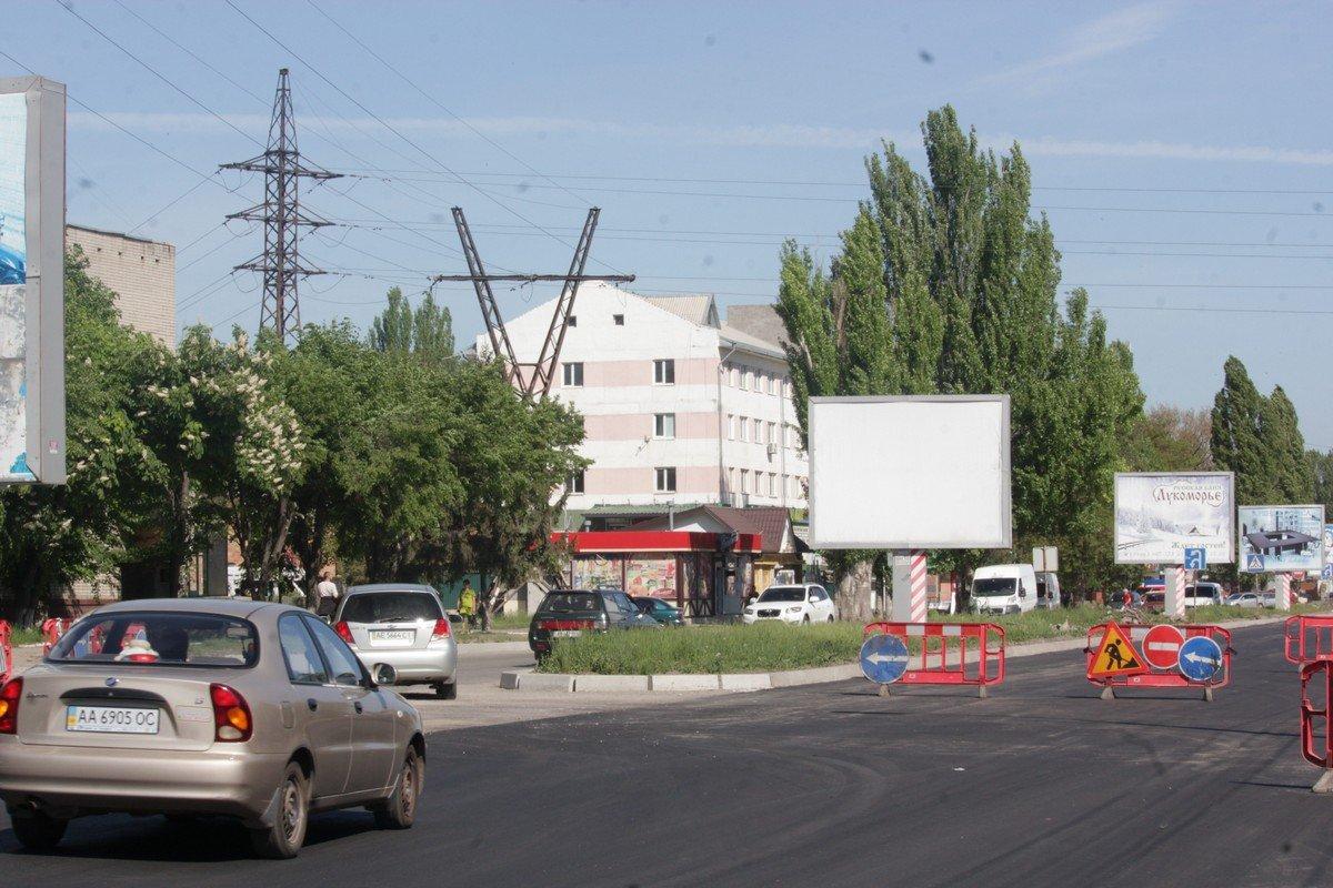 Перекрыт участок дороги от станции скорой помощи, до пересечения с Героев Чернобыля