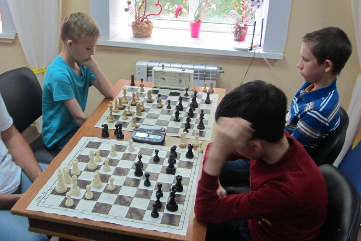 Шахматисты сыграли 90 партий