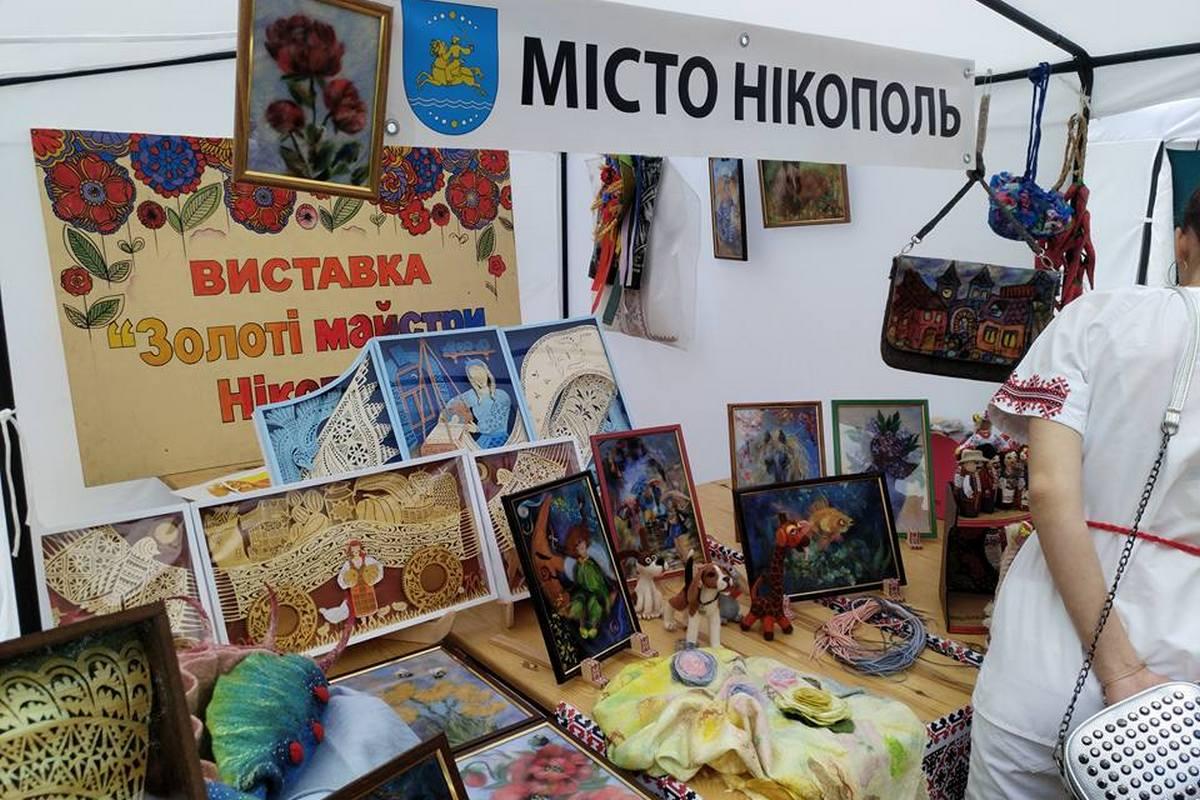 Выставка в Днепре с участием никопольских мастеров