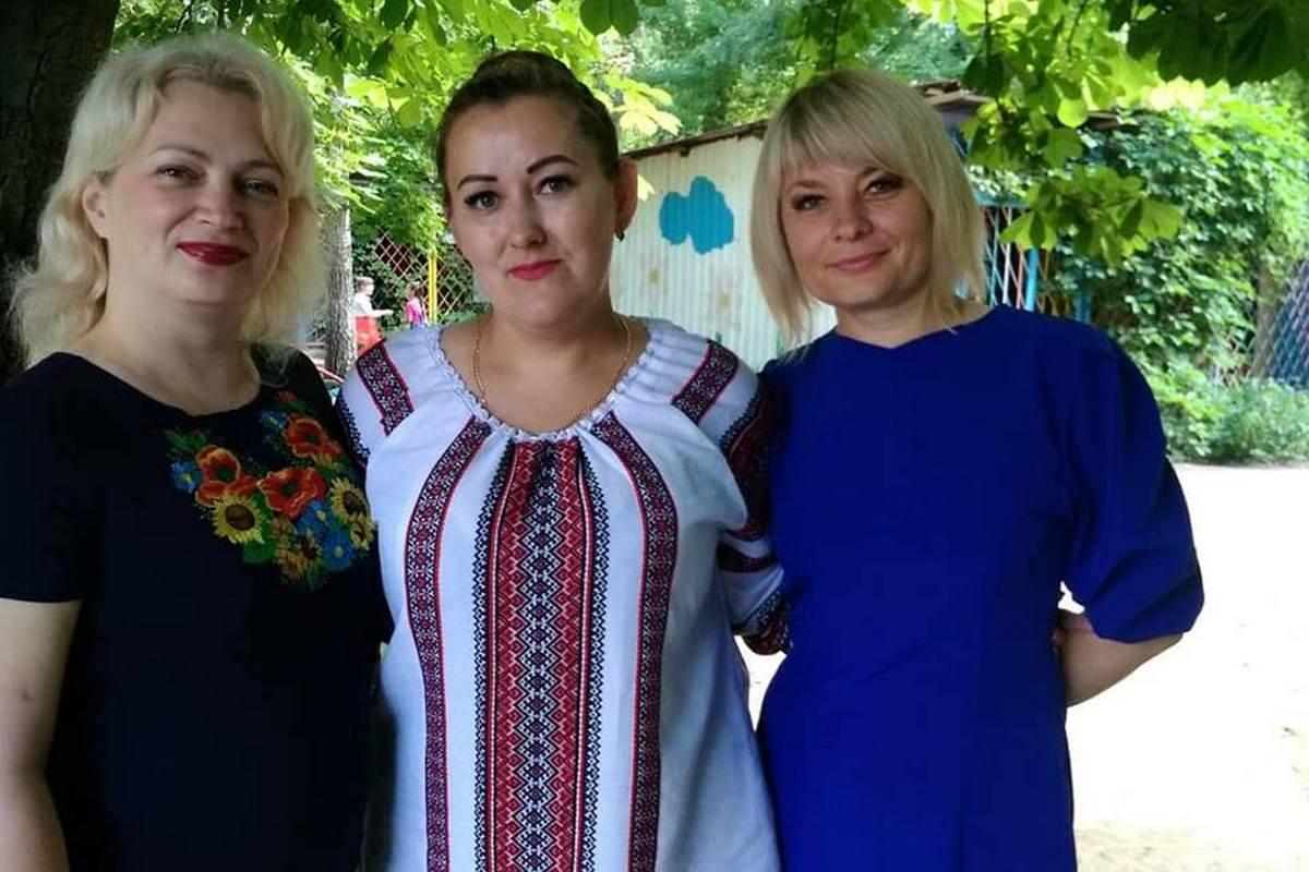 "Воспитатели детского садика ""Чебурашка"""
