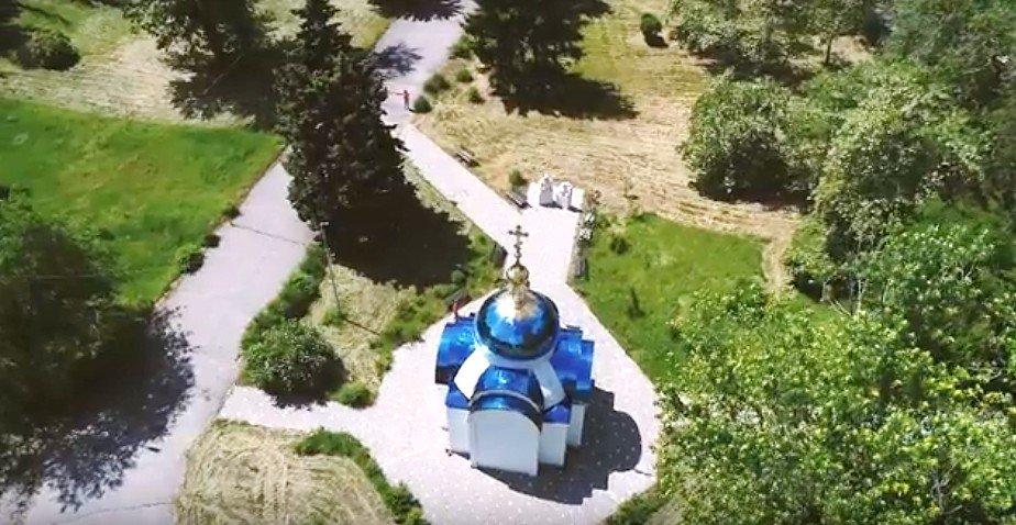 Синие купола символизируютнебесную чистоту и непорочность