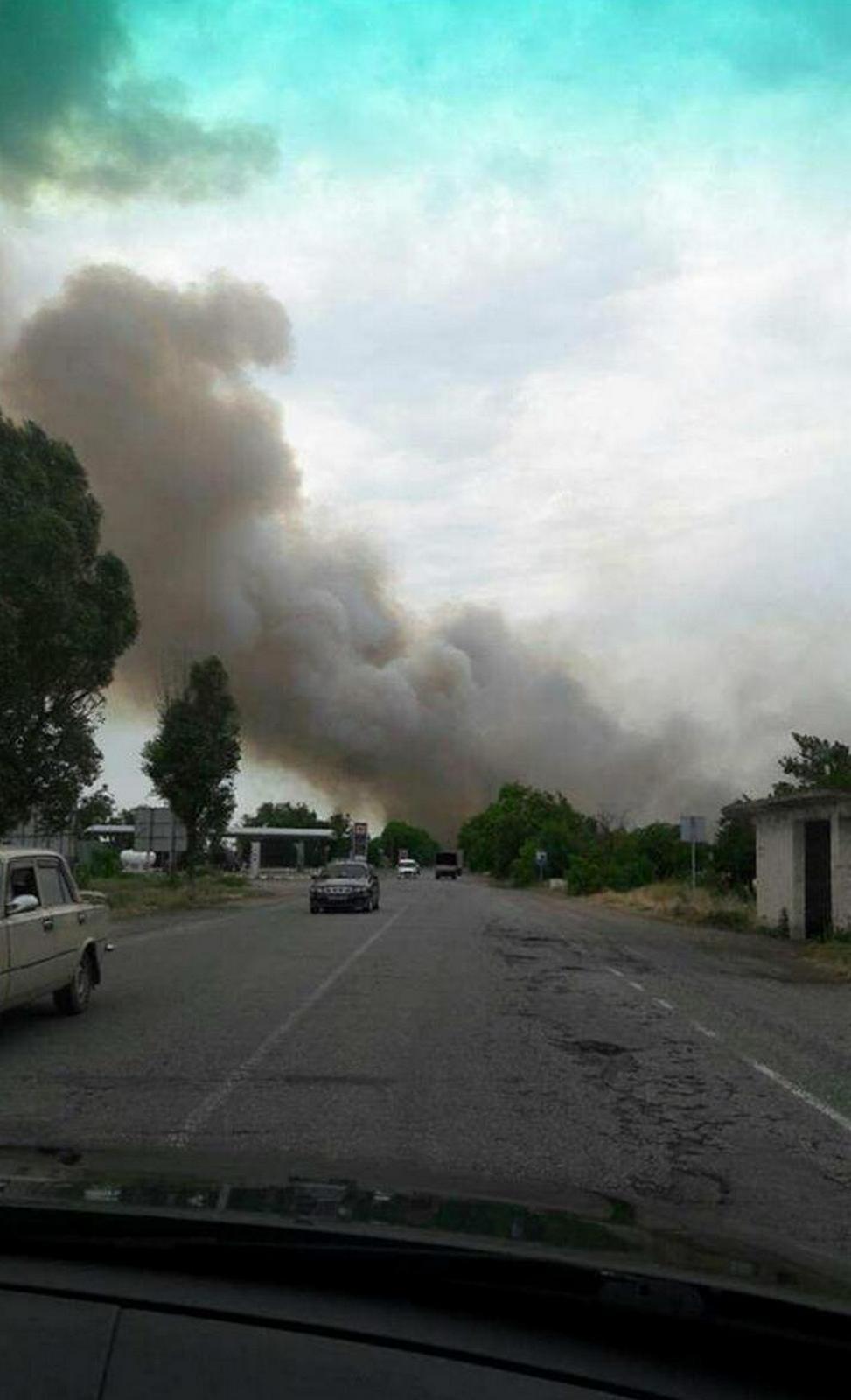 Один из водителей сфотографировал, как горит поле