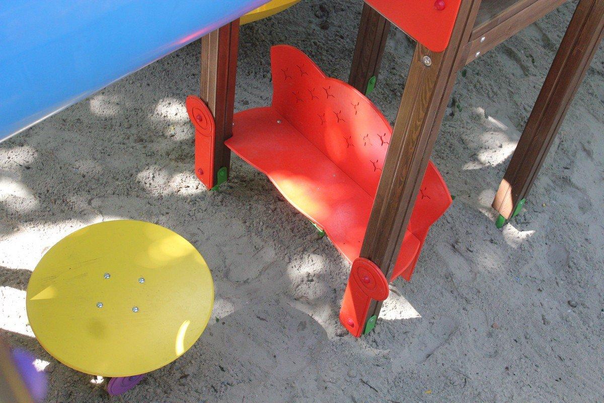 Лавочки и столик для малышей
