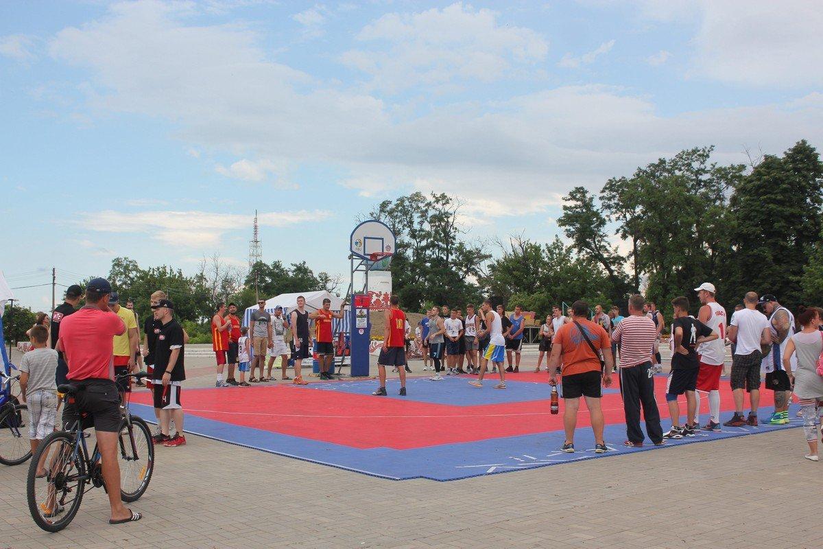 В Никополе прошли соревнования сильных духом людей