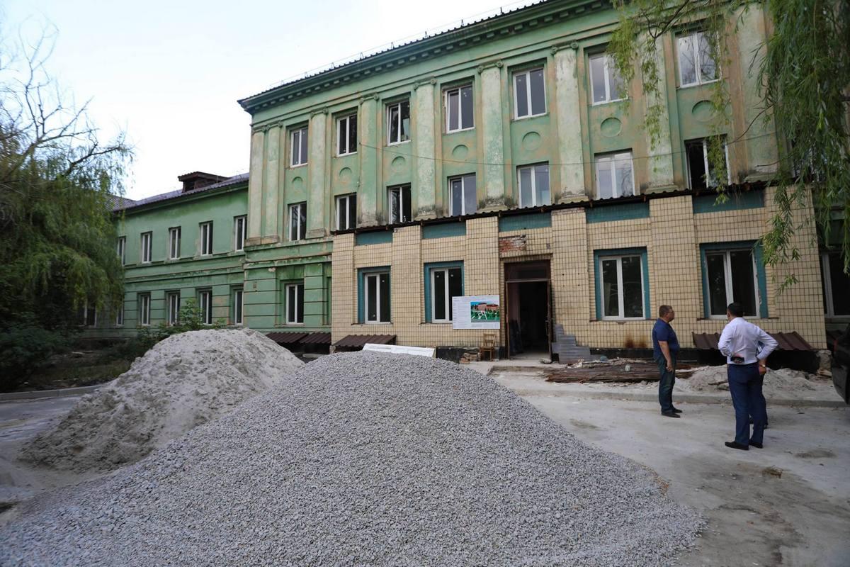 В скором времени это здание будет красивым и функциональным