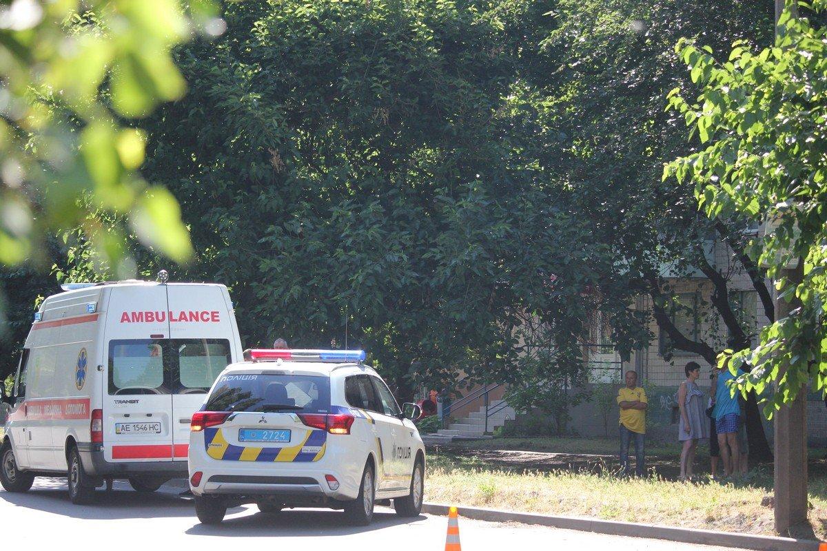 Ребенка сбили на пешеходном переходе. Автомобиль скрылся с места преступления