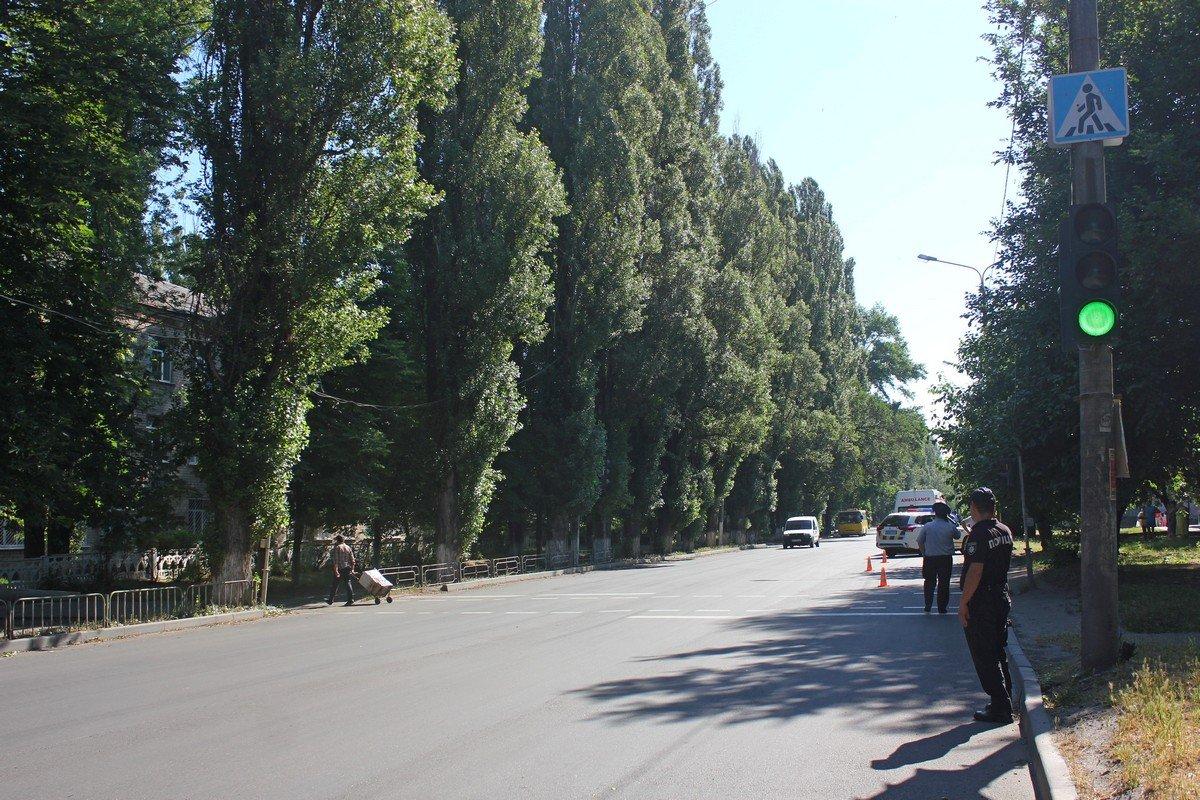 Пешеходный переход возле школы № 2