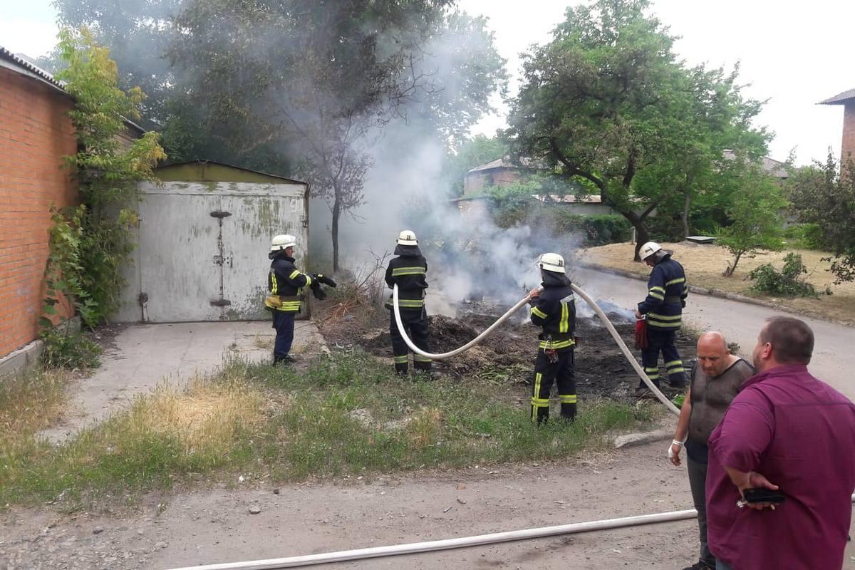 "Возгорание произошло во дворах напротив стадиона ""Металлург"""