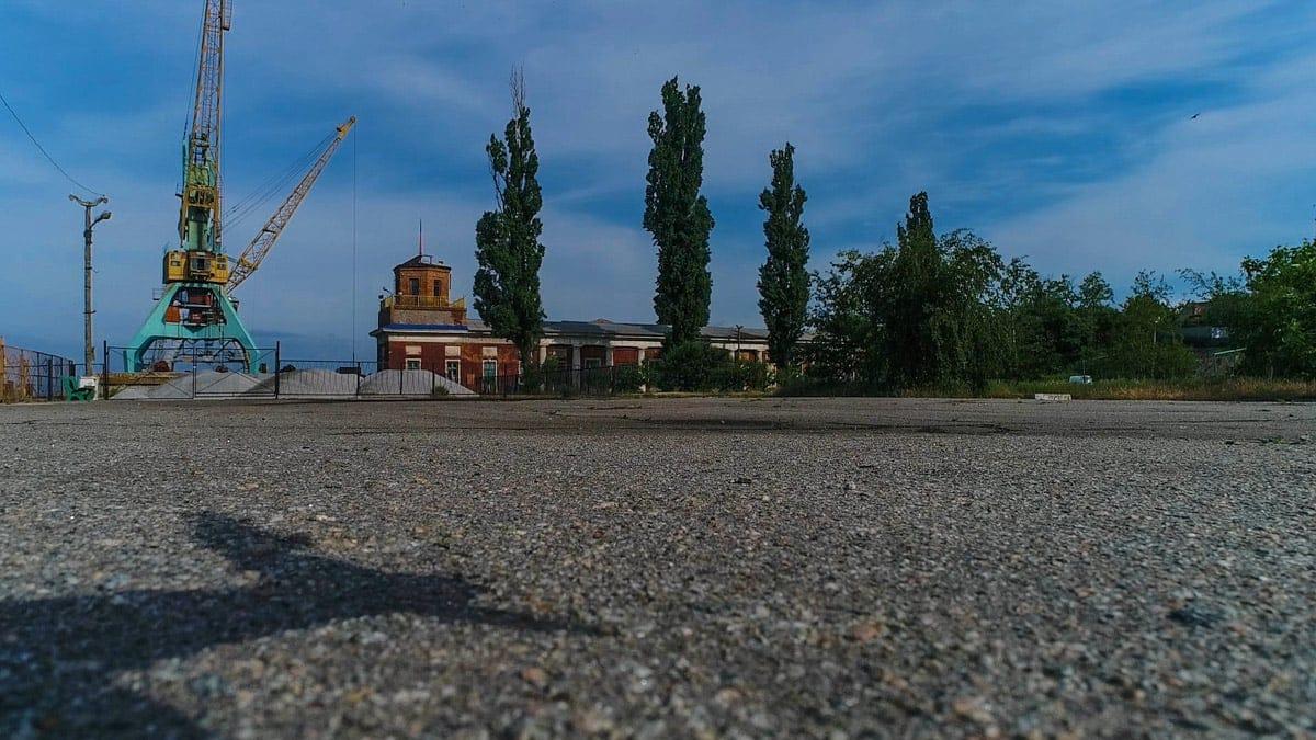 Никопольский порт был построен на базе пристани в 1956 году
