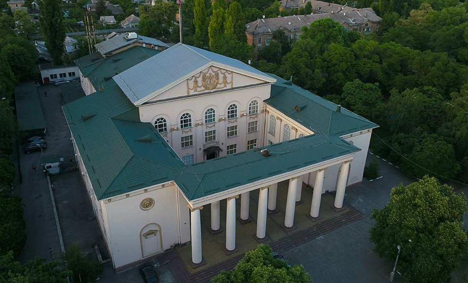 Дворец культуры Южнотрубного завода возвели более 60 лет назад