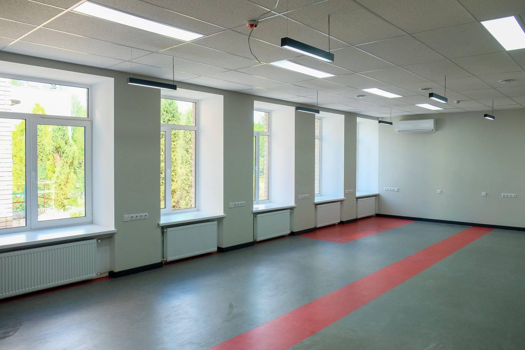 Светлое и просторное помещение школы