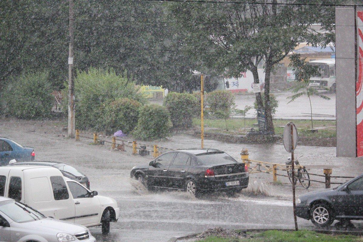 На улицах много воды