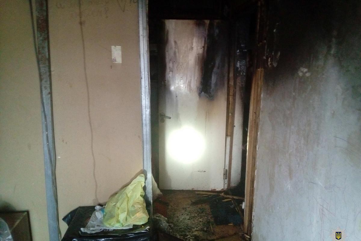 Поджег квартиру и закрыл в ней жену