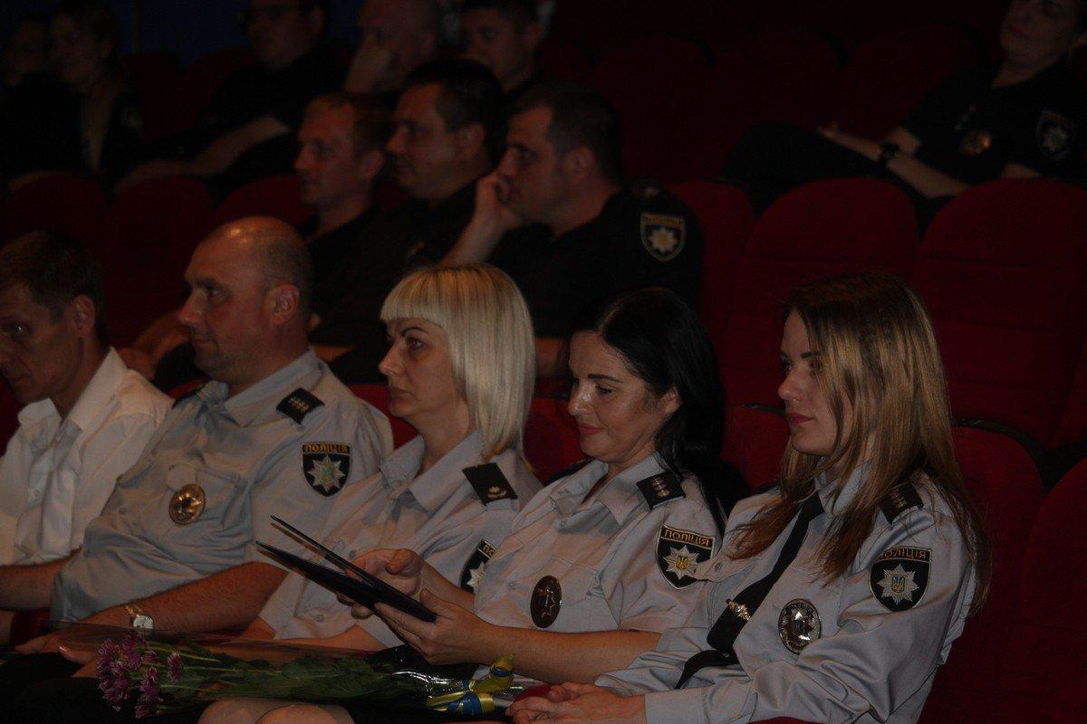 Некоторых полицейских повысили в звании