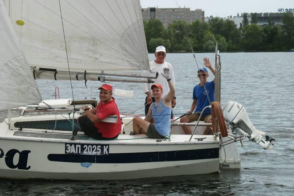 """Молодой экипаж яхты """"Intra"""""""
