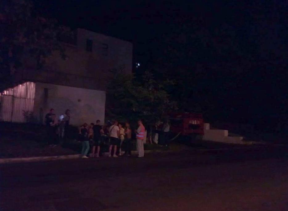 Продавцы и покупатели были вовремя эвакуированы