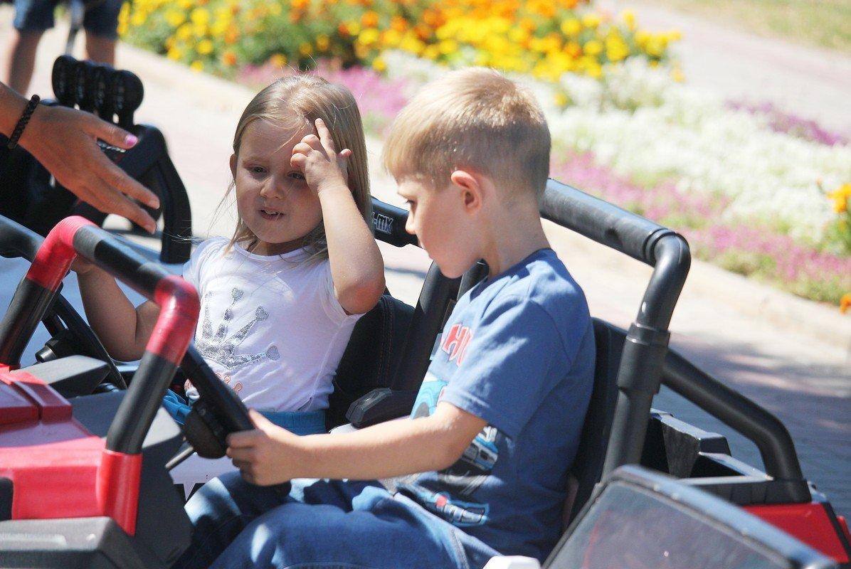 Учимся водить машину