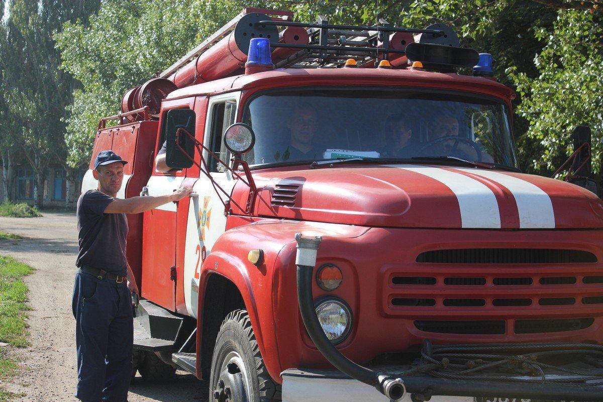 Спасатели прибыли на пожар
