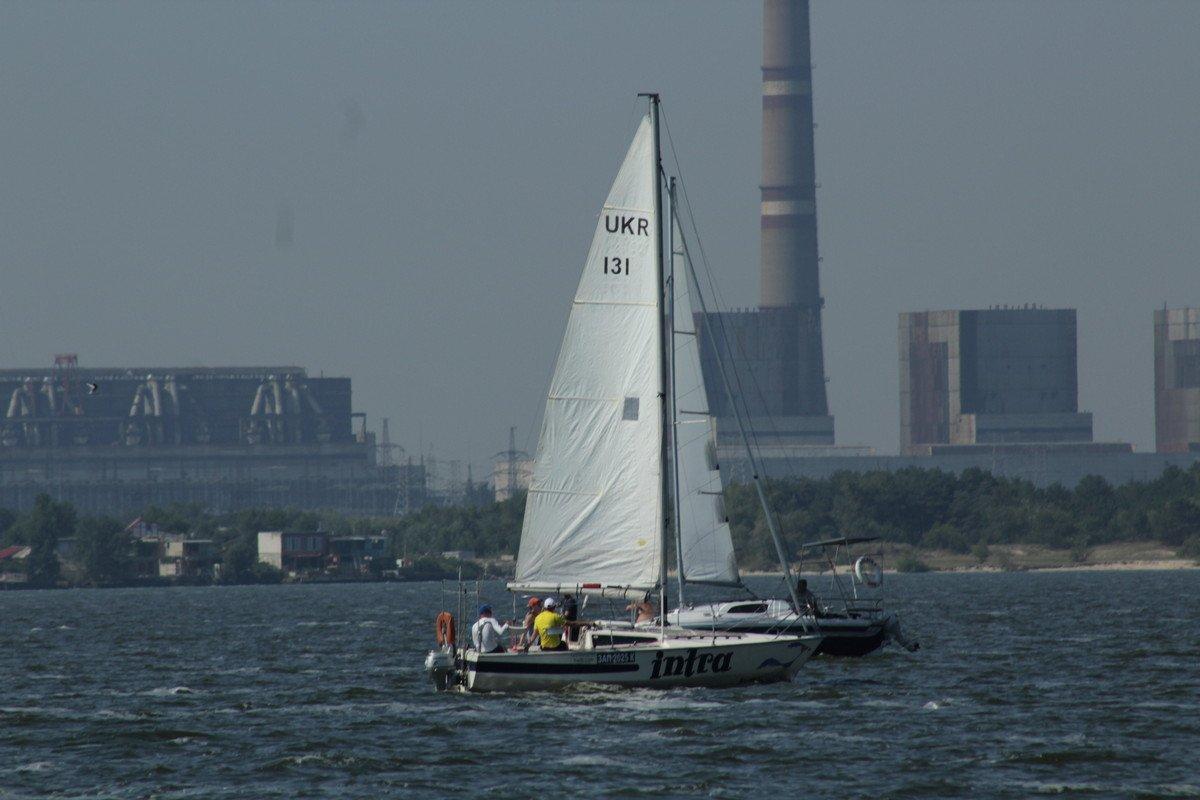 ЯхтаIntra Александра Румянцева гонялась с четвертьтонниками и в данной подгруппе заняла 3 место