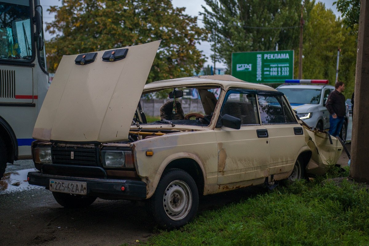 ВАЗ-2107 занесло на дороге
