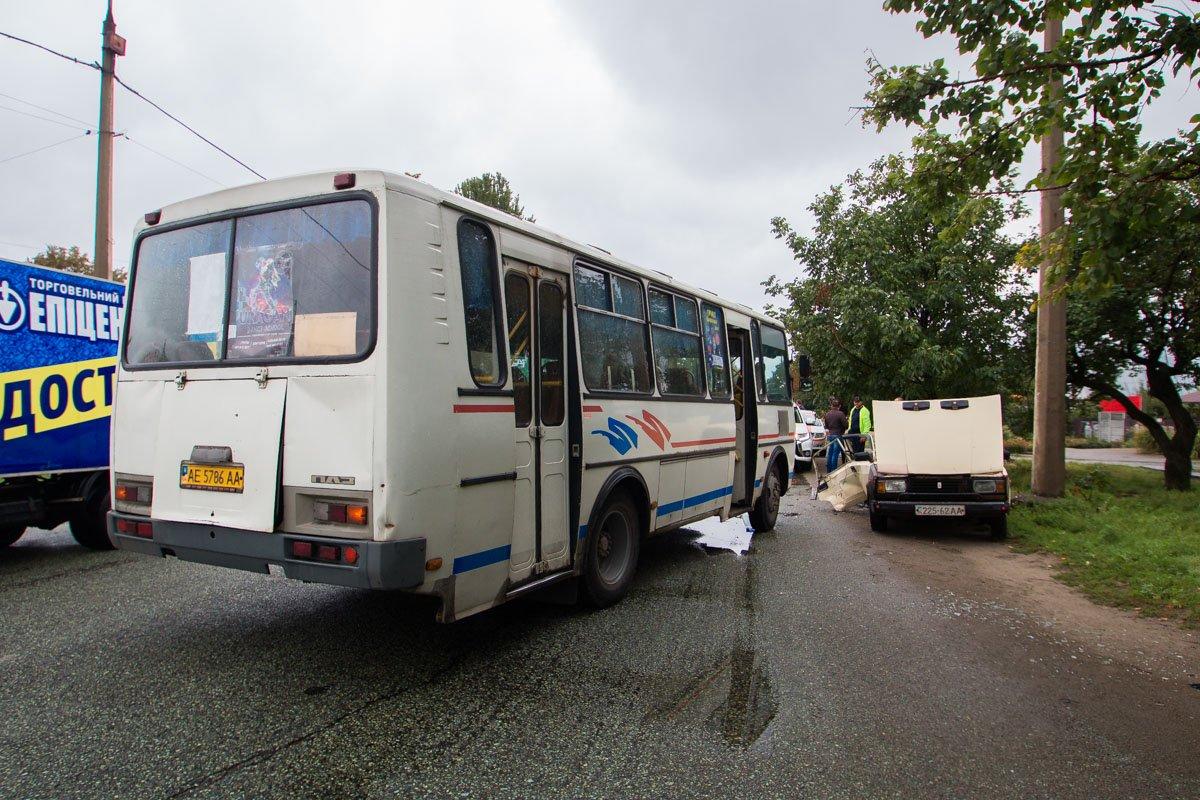 Маршрутный автобус двигался со стороны НЗФ
