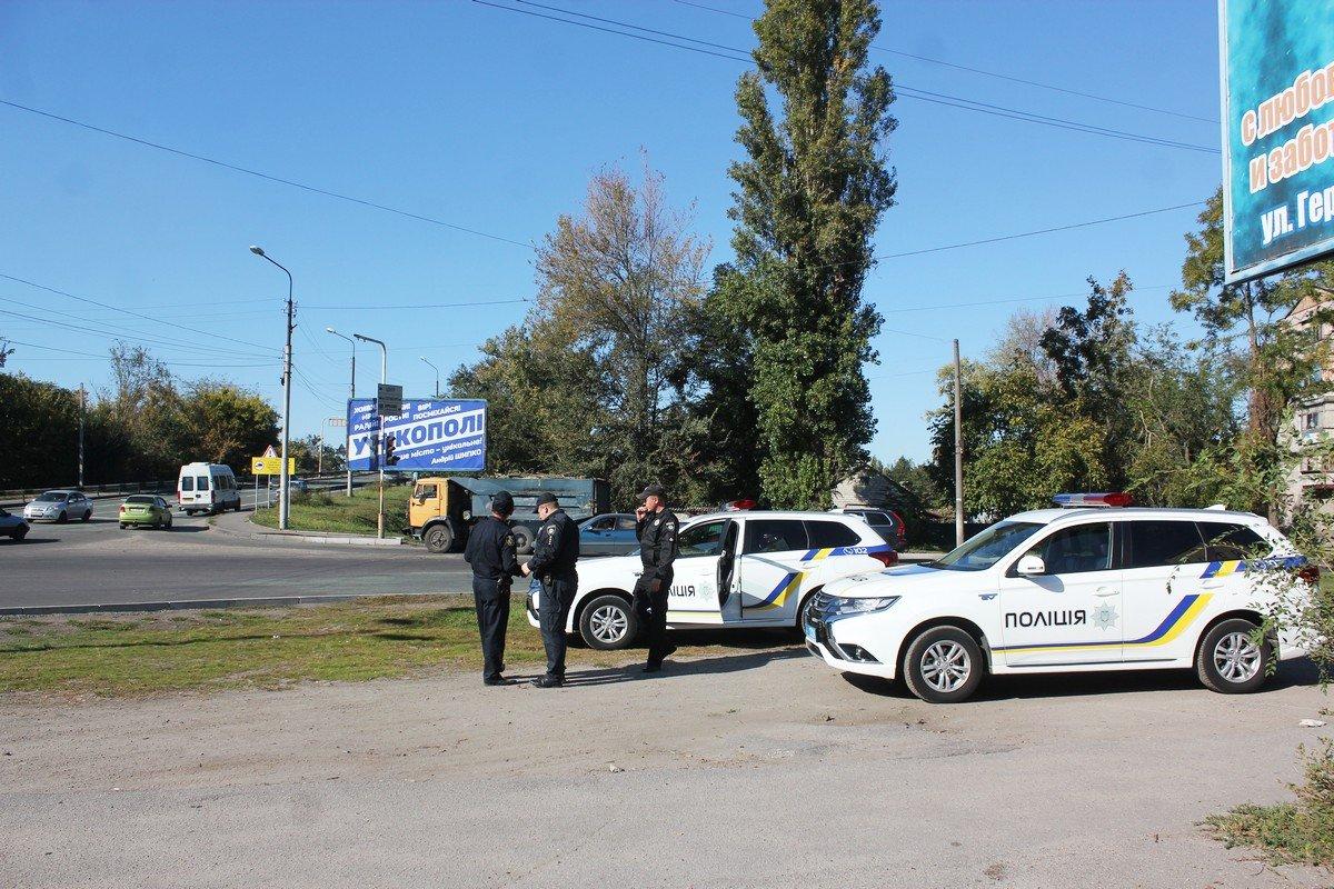 На место происшествия прибыли полицейские