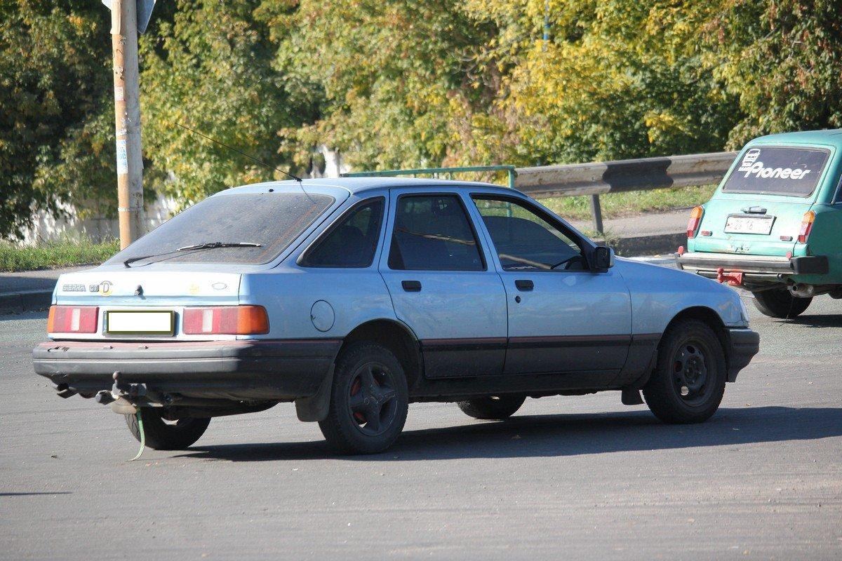 ВАЗ-2115 врезался в Ford Sierra