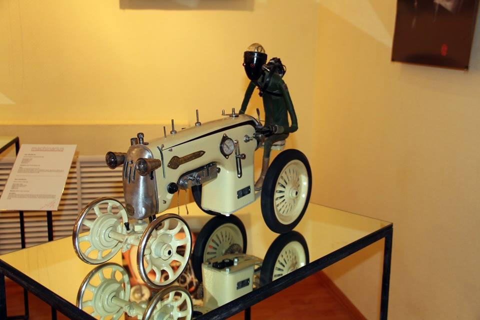 Вторая жизнь швейной машинки
