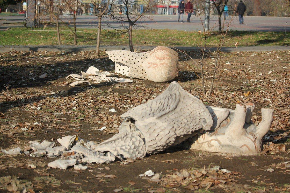 Скульптуры восстановить навряд ли удастся