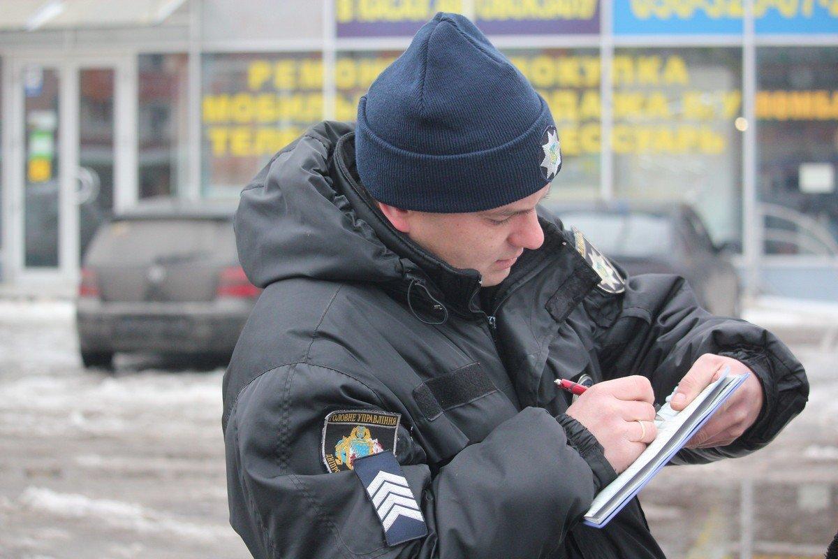 Работу патрульных фиксируют нагрудные камеры