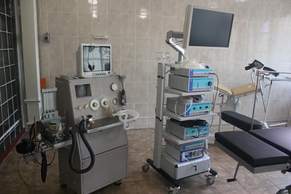 В операционной аппараты для лапароскопии