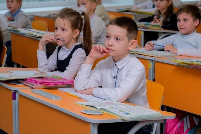 В реконструированной школе новая мебель