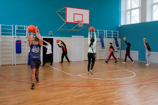 Обновили и спортивный зал