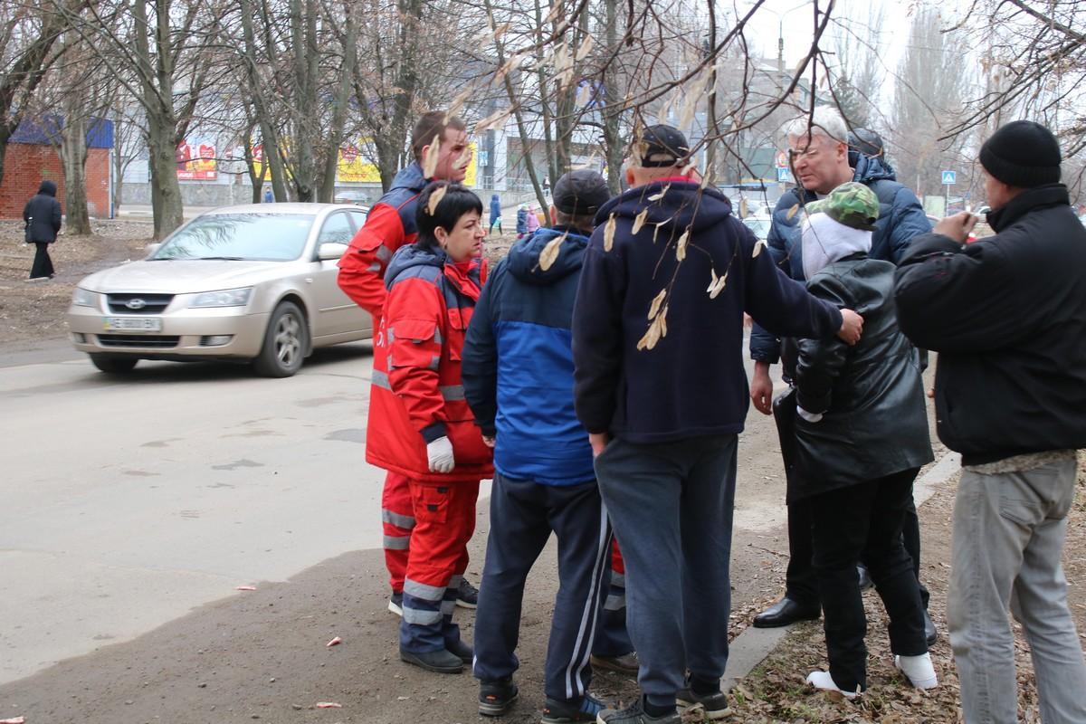 Многие водители останавливались и предлагали помощь