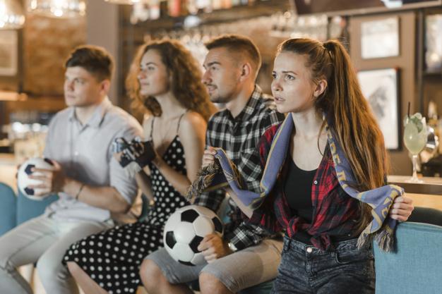Сделайте вид, что обожаете футбол, и вы покорите сердце мужчины