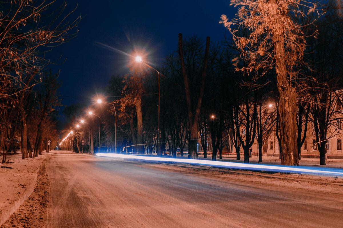 В свете фонарей