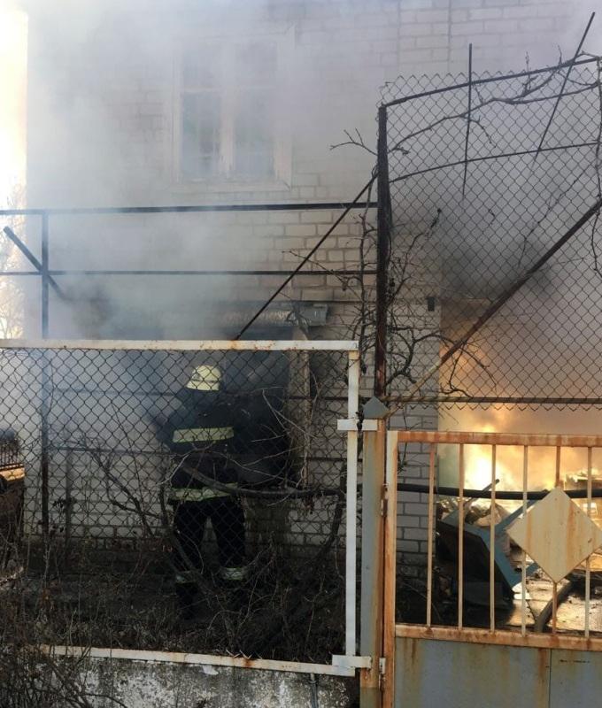 Хозяин дачного дома получил ожоги лица и рук
